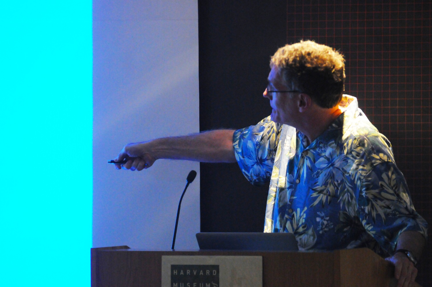 Jonathan B. Losos '84, professor of Organismic and Evolutionary Biology, explains the ecological significance of islands and their role in understanding evolution. The talk took place in a packed Geological Lecture Hall and was part of the Cambridge Science Festival, happening from April 17-26.