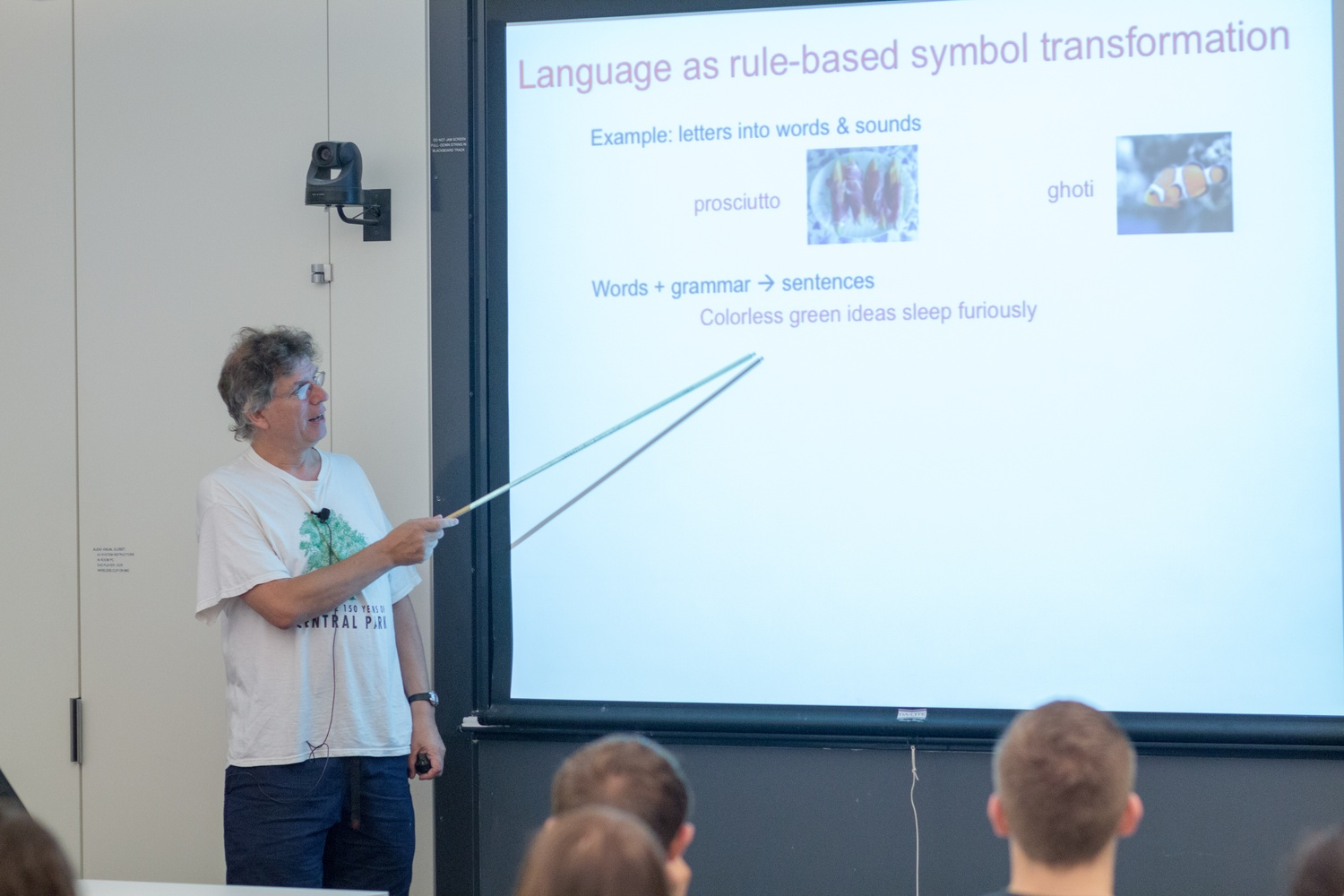 Molecular Genetics professor Andrew W. Murray, course head of Life Science 50a, demonstrates examples of rule-based symbol transformation during the course's second lecture.