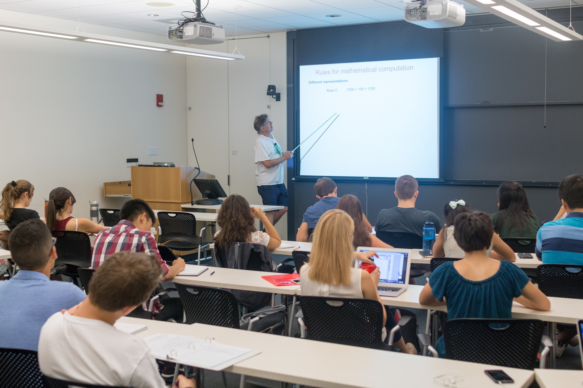 Approximately 25 students attend the second lecture of Life Science 50a, the first half of an intensive two-semester, double course incorporating topics in biology, chemistry, math, computing, and physics.
