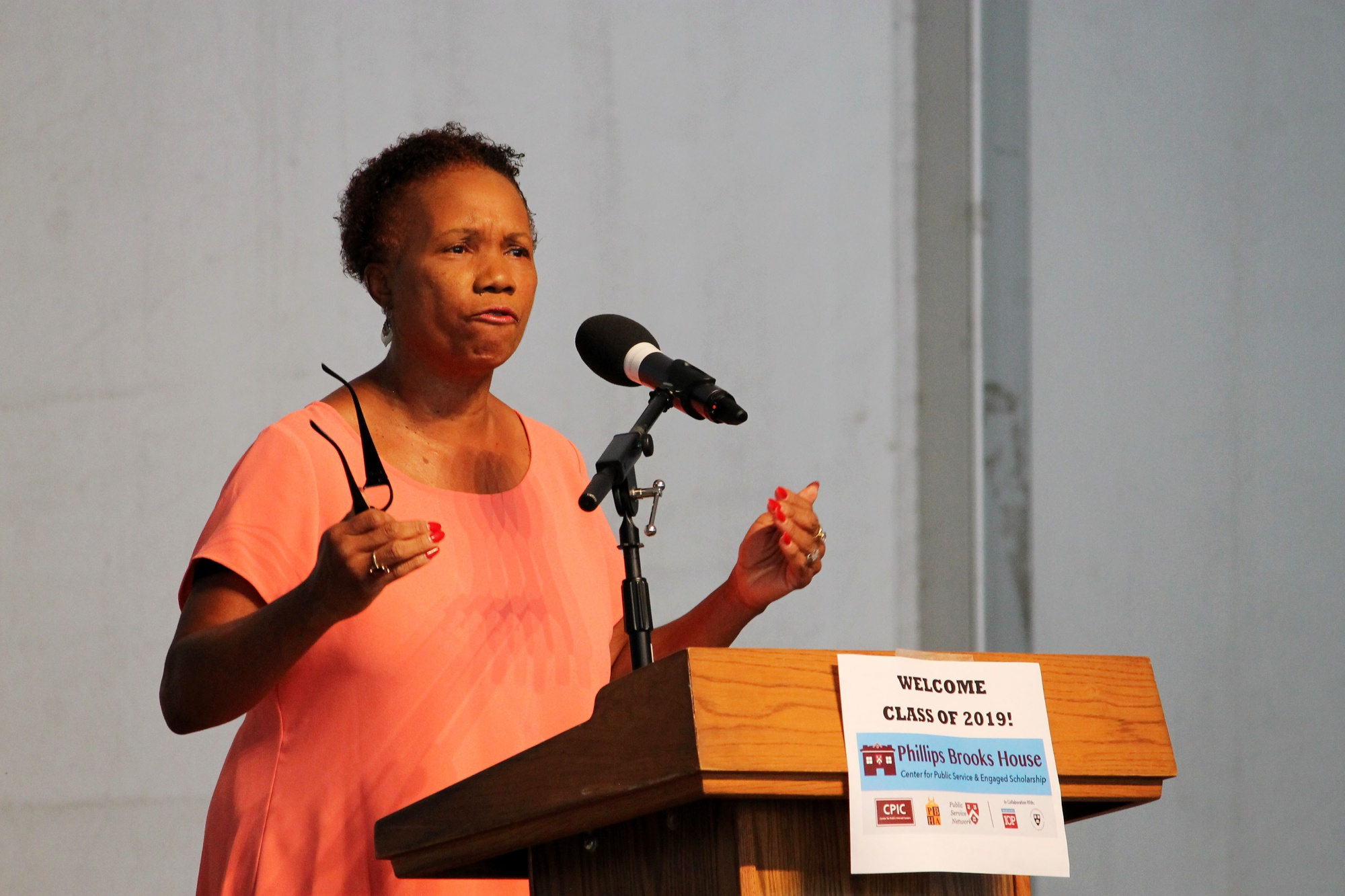 Cambridge City Councilor E. Denise Simmons speaks about the importance of public service to members of the freshmen class on Saturday morning in the Science Center plaza.