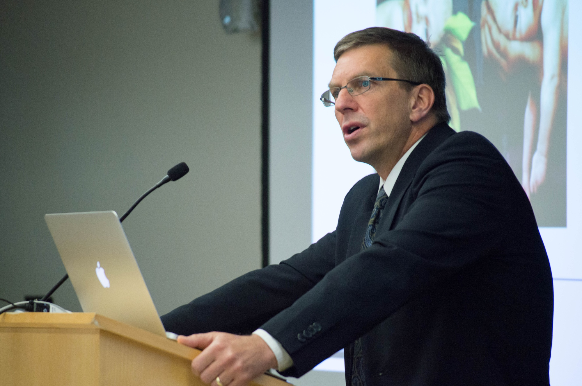 """Julian Savulescu, a professor of ethics at the University of Oxford, speaks about the moral framework revolving around bioethics in a Harvard Law School discussion. """"There is no simple solution,"""" emphasized Savulescu. He went on to conclude that bioprediction can be used ethically, however only in specific circumstances."""