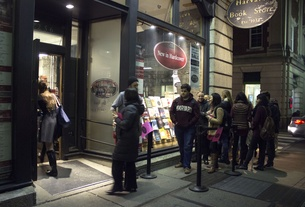 Chelsea Clinton Signs Books at Harvard Bookstore