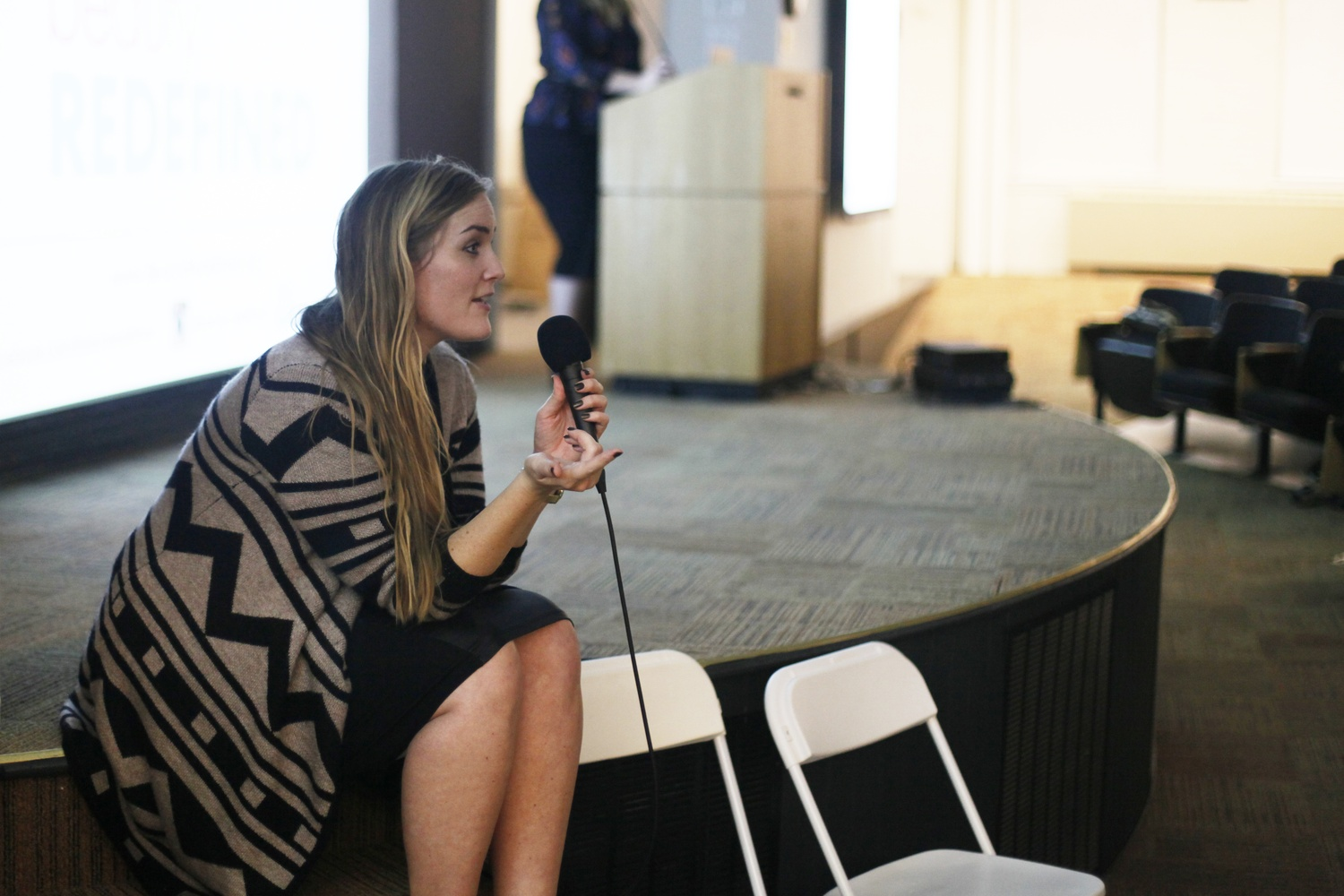 Lexie Kite leads the Q&A session of beautyREDEFINED in Geological Lecture Halls on Oct. 20. The presentation, organized by ECHO, was co-led by sister Lindsay Kite and focused on body image resilience.