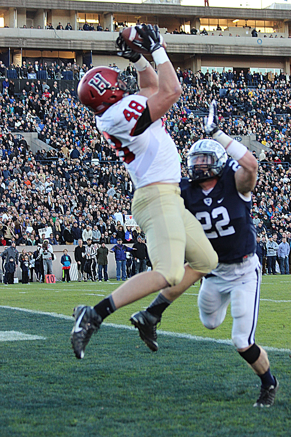 Senior tight end Ben Braunecker finished with 88 yards receiving on six catches, and two touchdowns, at last November's Harvard-Yale game in New Haven.
