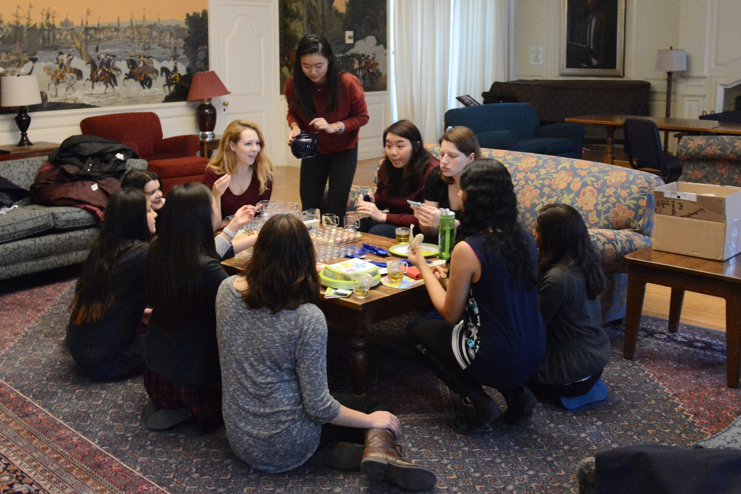 Women in Computer Science members discuss life with a career in computer science at a Mentorship Tea Party in Lowell JCR on Wednesday. WiCS hosts a series of events throughout the semester for fostering a community of technically-skilled women.