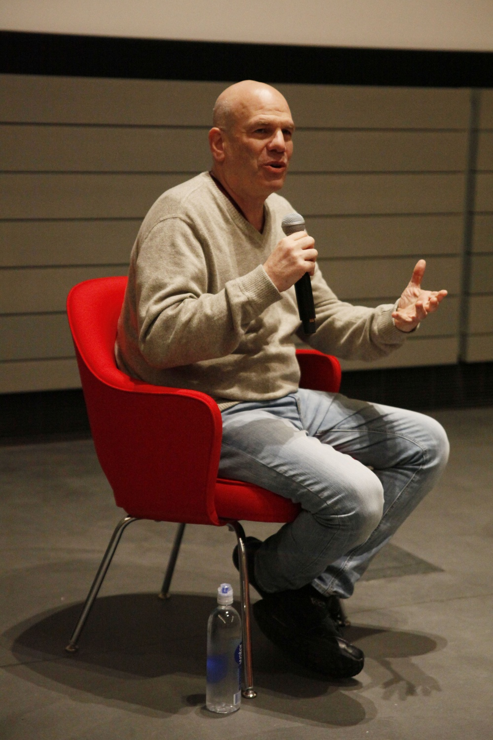 David Simon, creator of The Wire, spoke in Harvard Art Museum's Menschel Hall on Sunday afternoon.