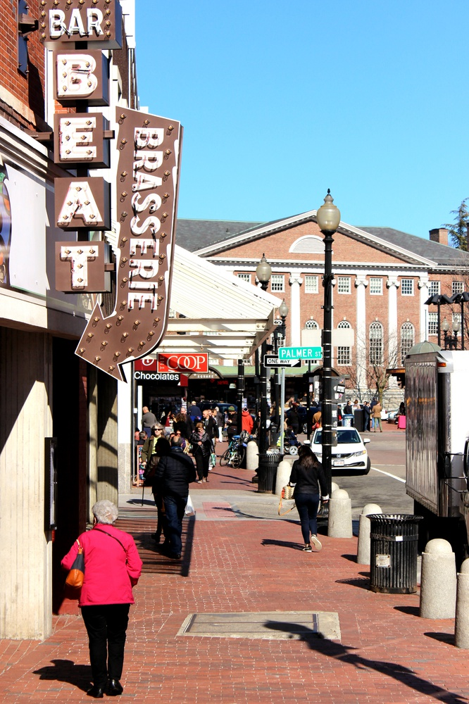 """Anticipating around 1,300 prospective freshmen, some local businesses have been preparing by offering special discounts. The Harvard Square Business Association will hold the first """"Harvard Square Street Fair,"""" which will showcase a wide variety of Square businesses."""