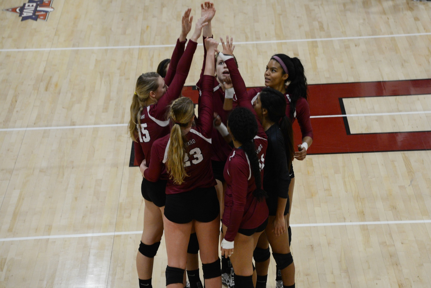The women's volleyball team, pictured here in its 3-0 win against Ivy League rival Columbia on November 7, 2015, opens up Ivy League play on Friday against Dartmouth.