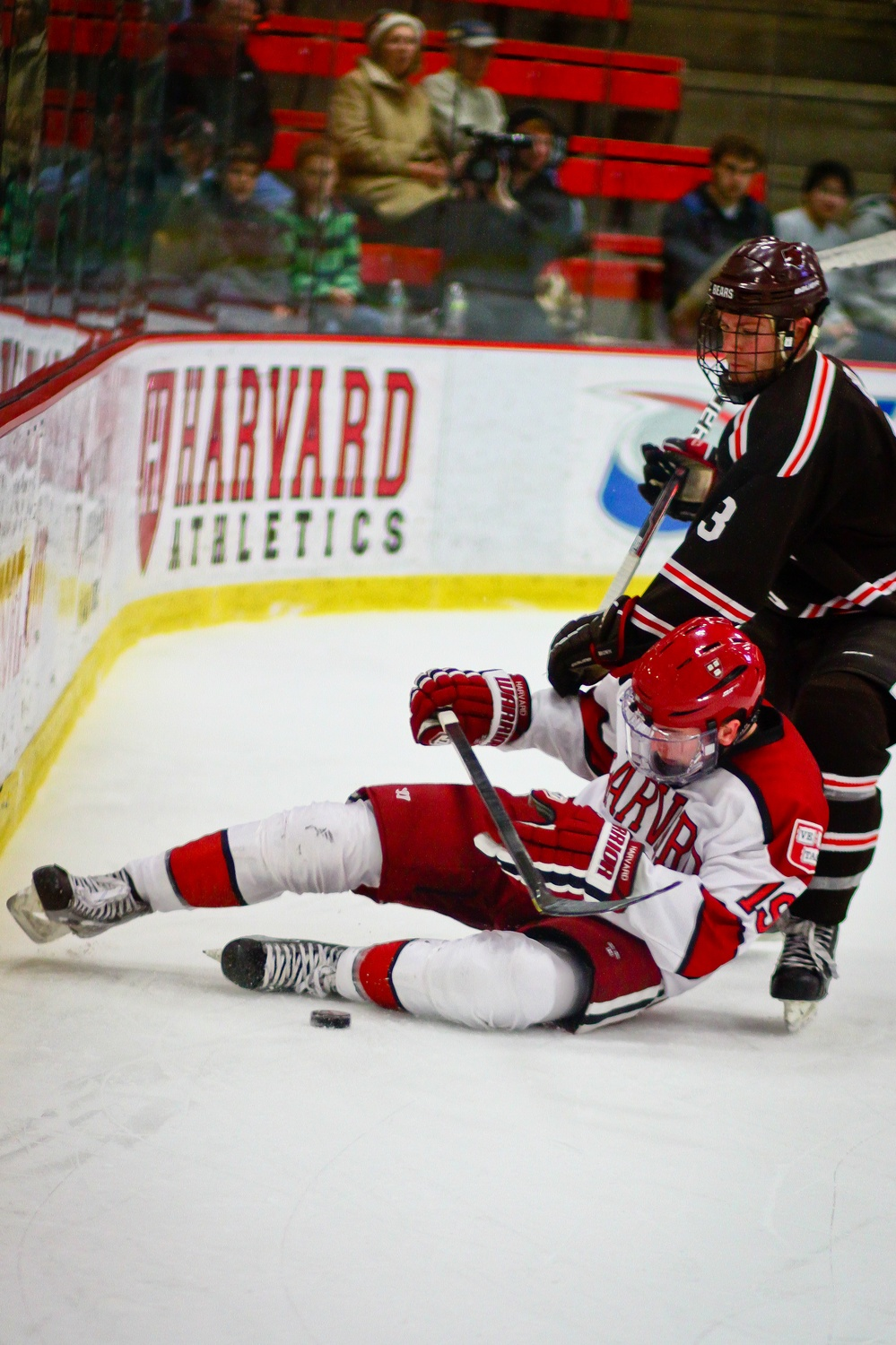 When Jimmy Vesey (19) was a freshman, Harvard won just 10 games, leading the media to take aim at Ted Donato's coaching performance.