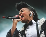 Janelle Monáe Performs