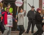Students Support HUDS Strike