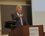 Gov. Weld Campaigning on Campus