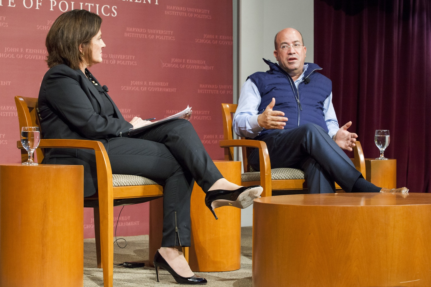 CNN President Jeff Zucker '86 talks with the Washington Post's Lois Romano at the JFK Jr. Forum on Friday afternoon. Zucker and Romano discussed CNN's coverage of Donald Trump's campaign and Zucker's role in recruiting Trump for the television show The Apprentice.