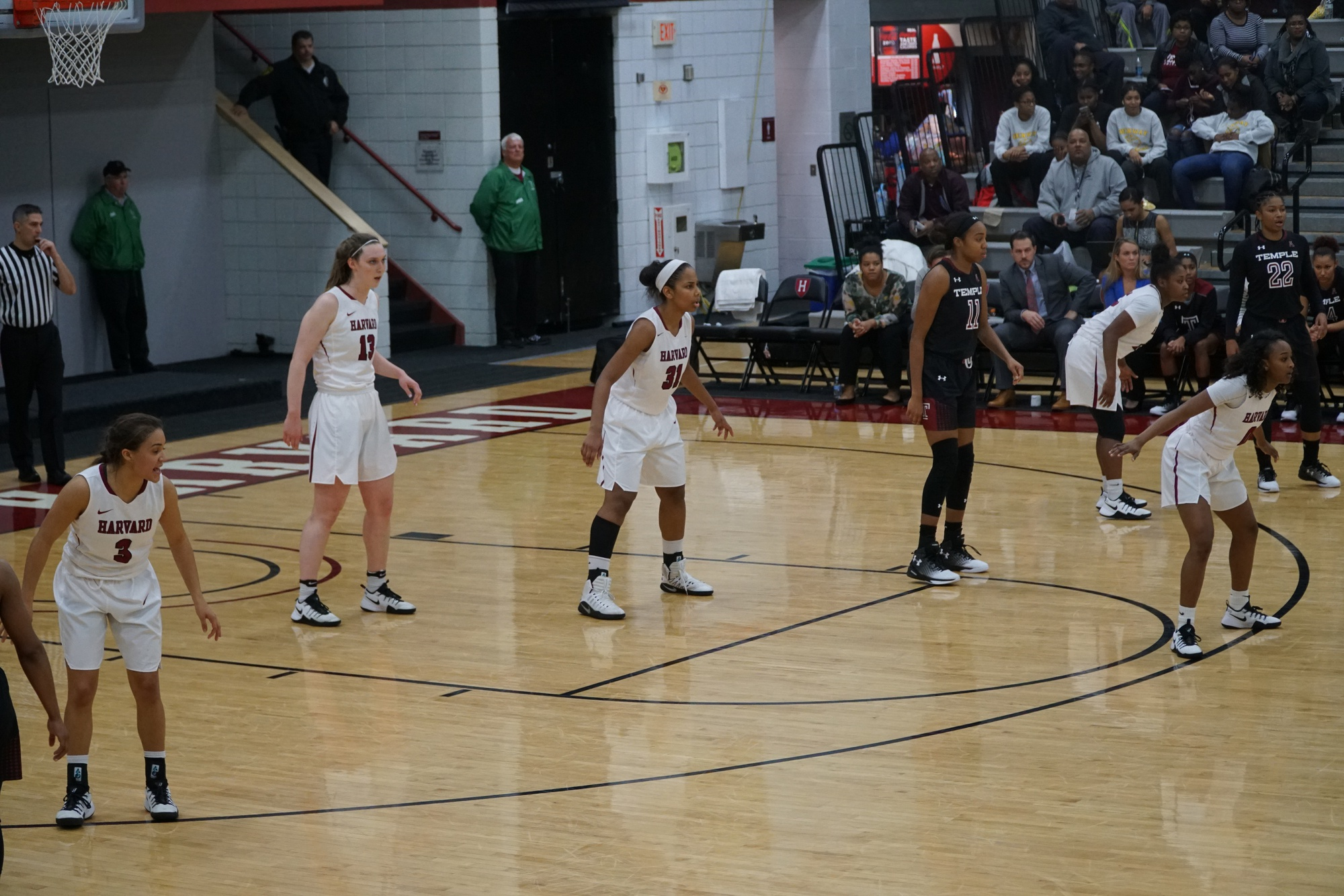 Despite a 14-1 record, the Harvard women's basketball team has received little recognition from the national media.
