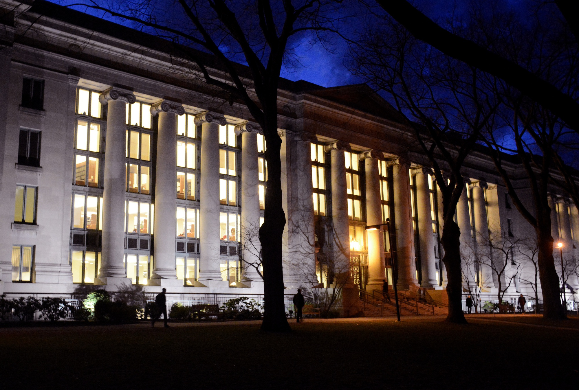 Harvard Law School announces its decision to begin accepting GRE scores as an alternative to the LSAT.