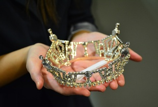 Pageant crown.