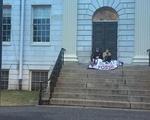 Divest Blockades University Hall