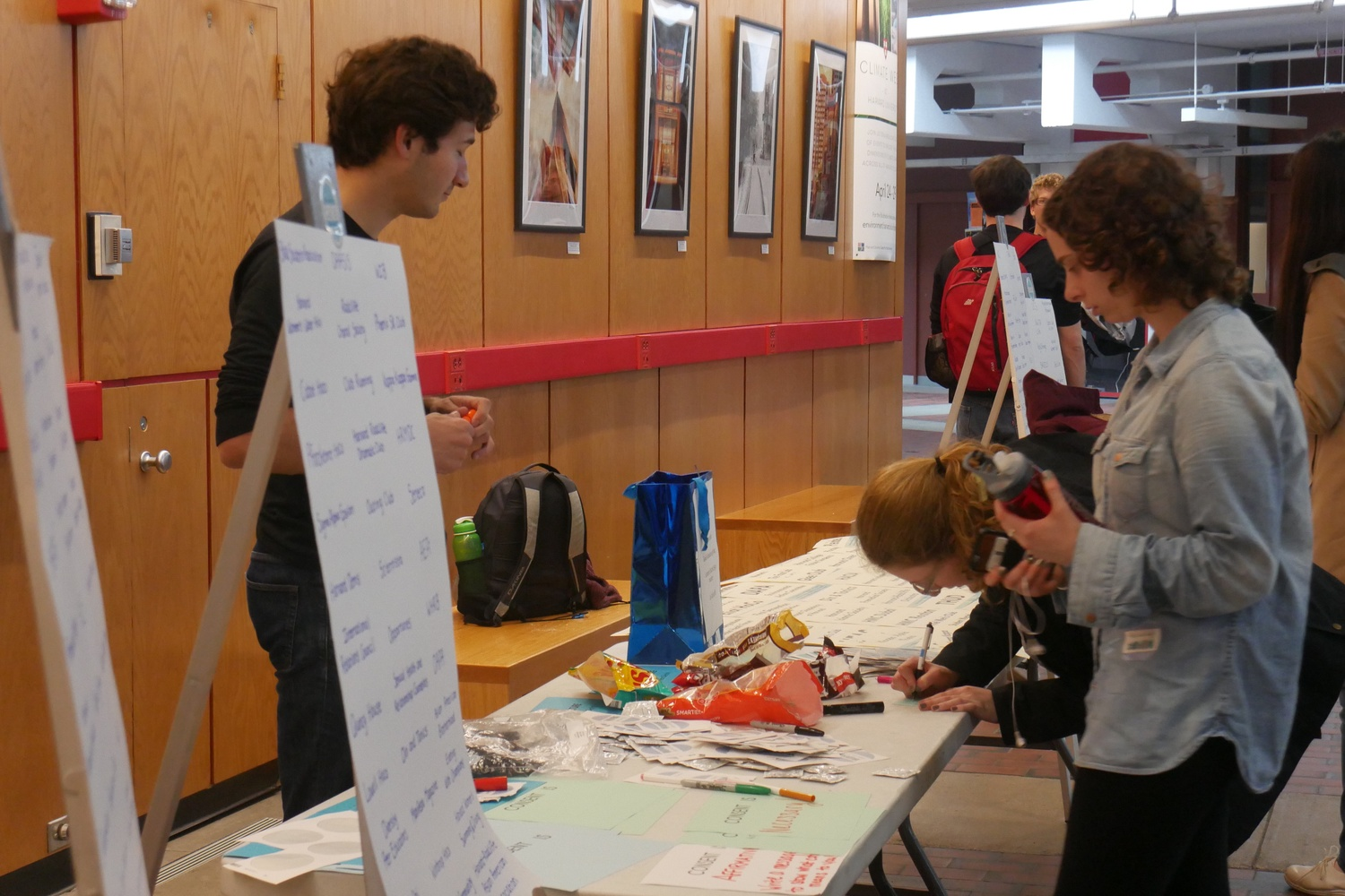 The campaign Harvard Wears Denim took place Wednesday, with individuals and student organizations pledging to stand in solidarity with survivors of sexual assault and pledging to confront rape culture. The event was led by the Office of Sexual Assault Prevention and Response (OSAPR) and Consent Advocates & Relationship Educators (CARE).