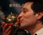 Paul Rudd Kisses Pudding Pot
