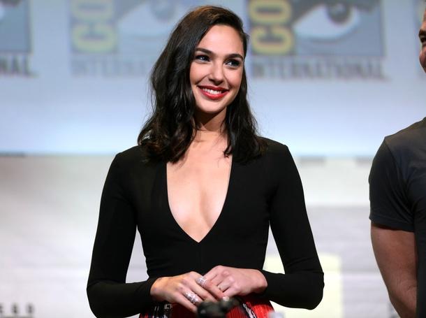 Gal Gadot at the 2016 Comic Con.