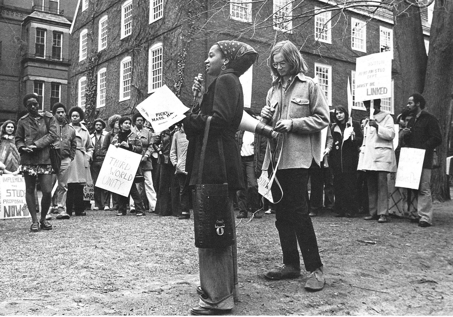 Students protest in front of Massachusetts Hall in 1975.