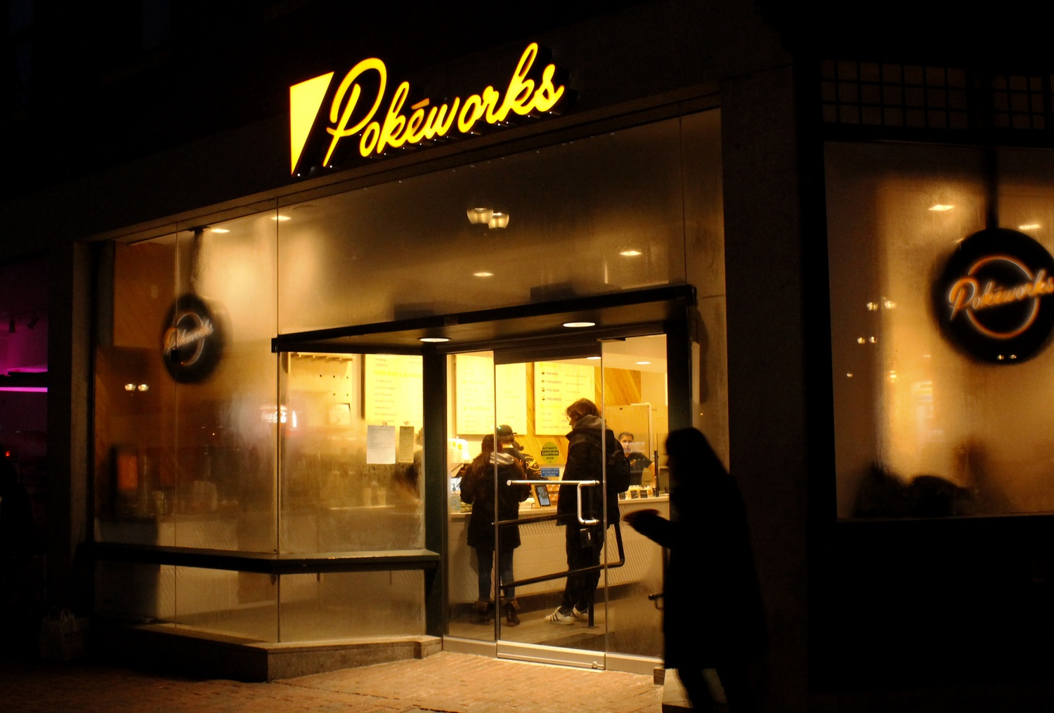 Pokeworks, a restaurant chain selling classic Hawaiian poke dishes, opens in Harvard Square in a space previously occupied by Liquiteria.