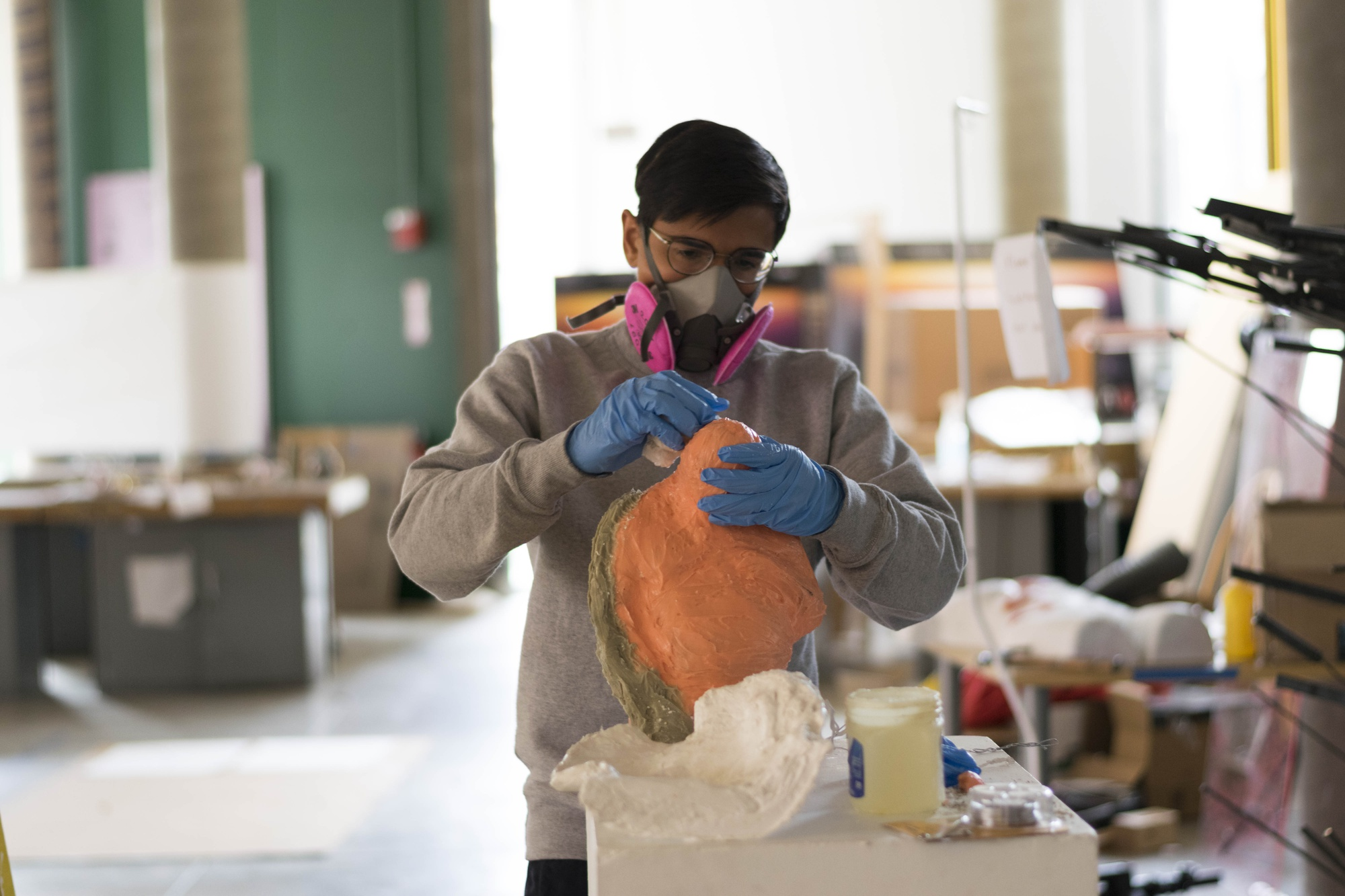 """Hugh A. Mayo '18—an inactive Crimson Arts Editor—works on a project for VES 132R, """"Object Matter of Jelly Fish: Sculpture Course."""""""