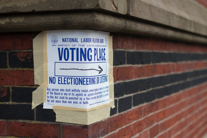 Cambridge Queen's Head Voting Place Sign