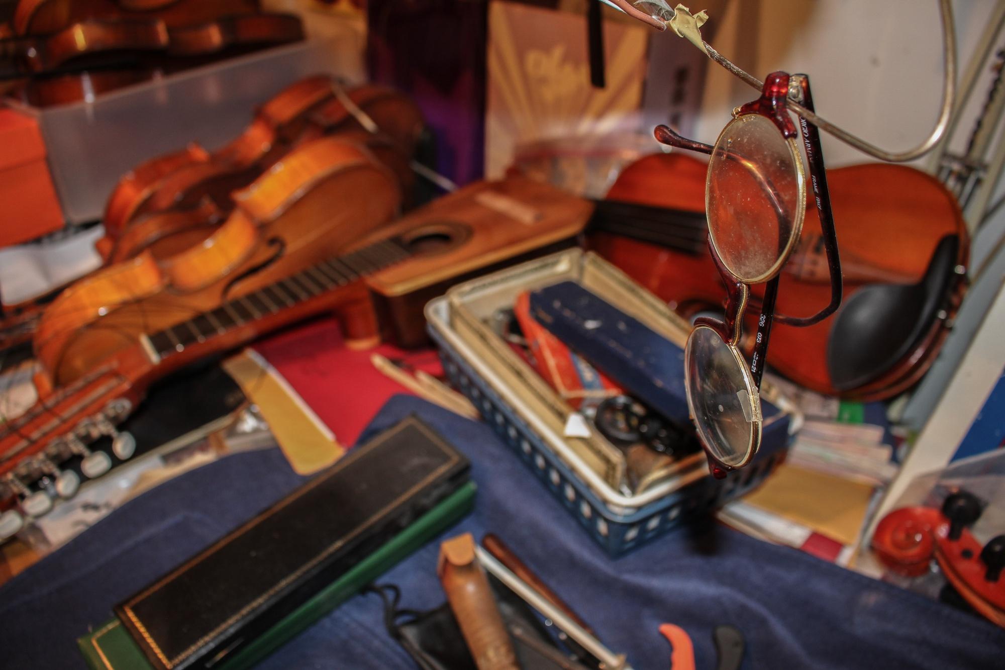 Cambridge Violin, a violin repair shop in Harvard Square, has been run by Germaine M. Carbury-Breau since 1981.