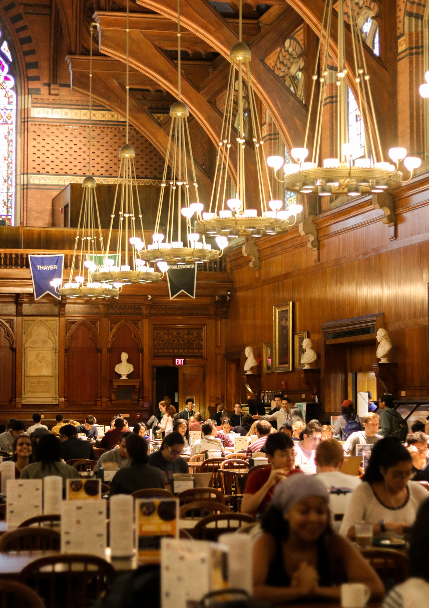 9:42 a.m. Annenberg dining hall is full of college students eating breakfast.