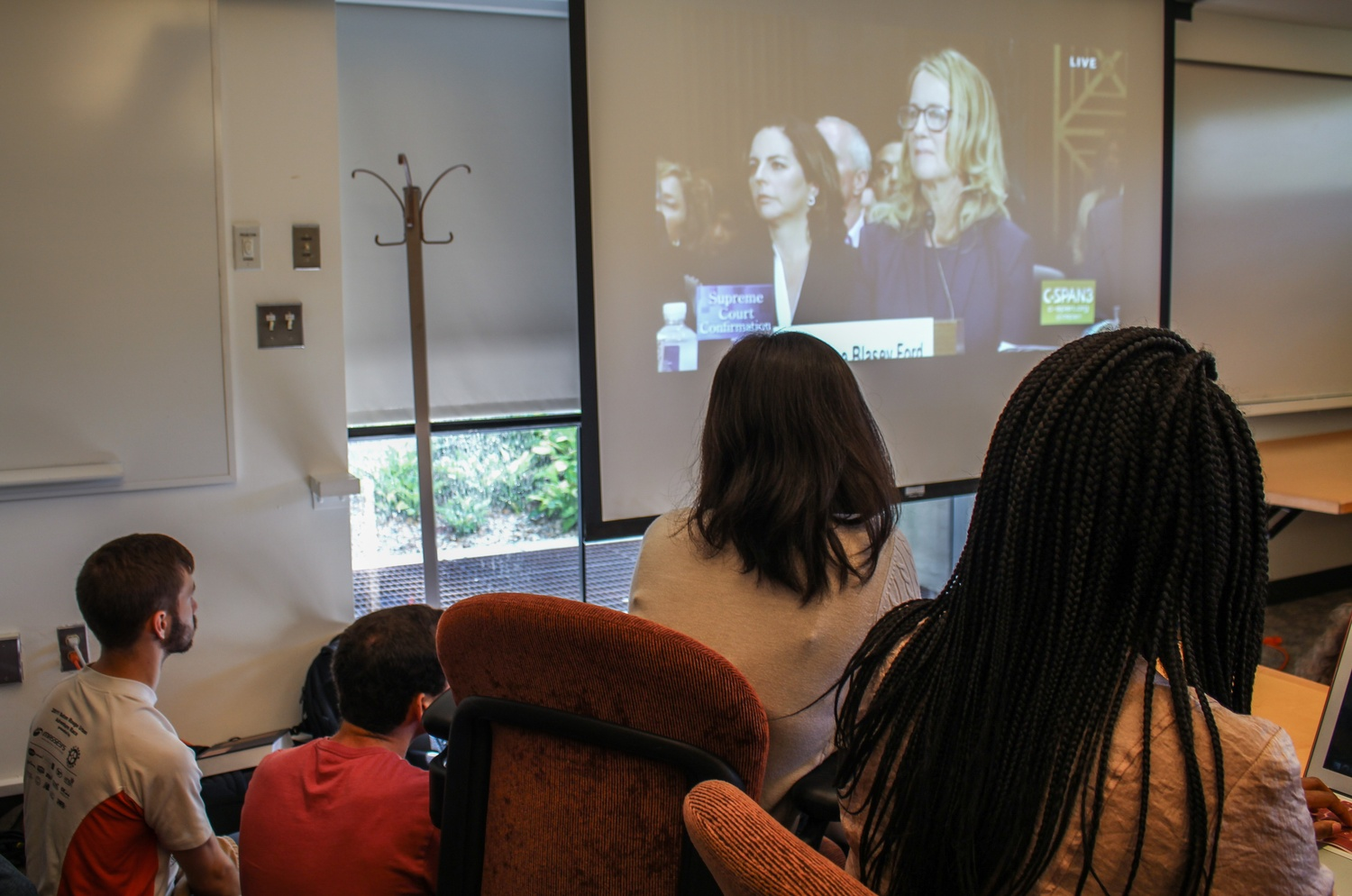HLS students watch Christine Blasey Ford testify in front of the Senate Judiciary Committee regarding her sexual assault claims against Kavanaugh.