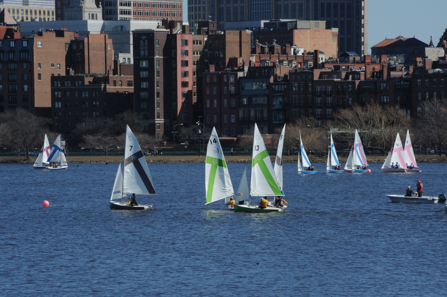 This past weekend, the men's sailing team finished in second place at the Captain Hurst Bowl, while the women's squad placed 11th at the Women's Showcase Finals.