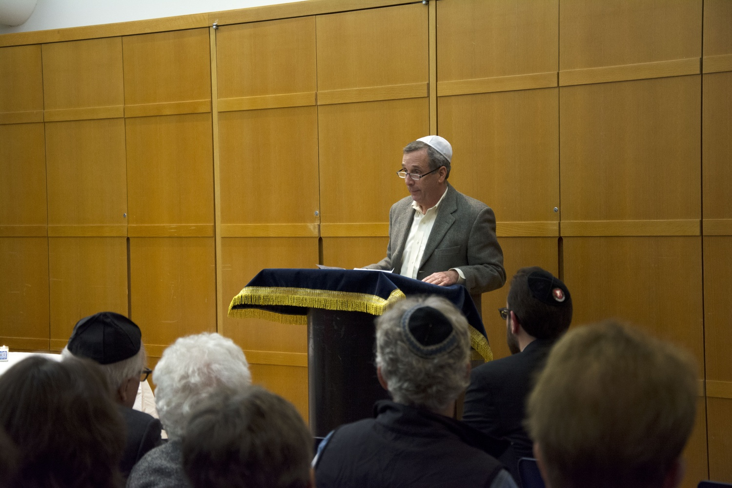 President Bacow speaks at the Tree of Life Synagogue Vigil at Harvard Hillel.