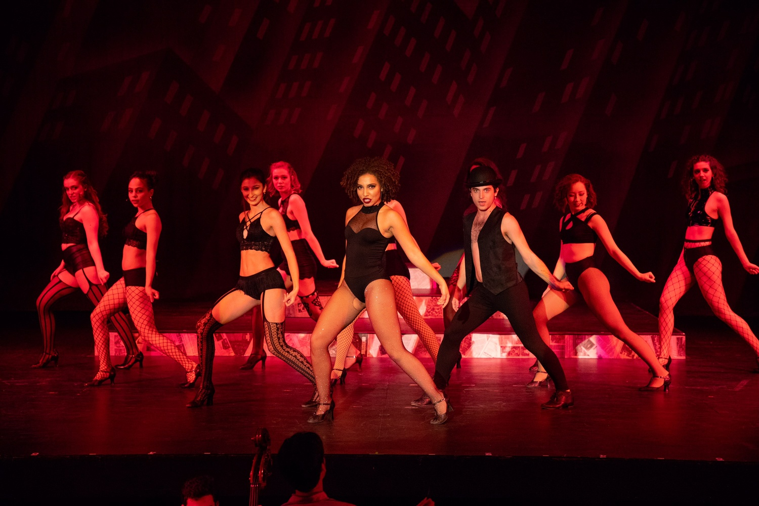 Chicago' brings the ol' razzle dazzle to cambridge | arts | the.