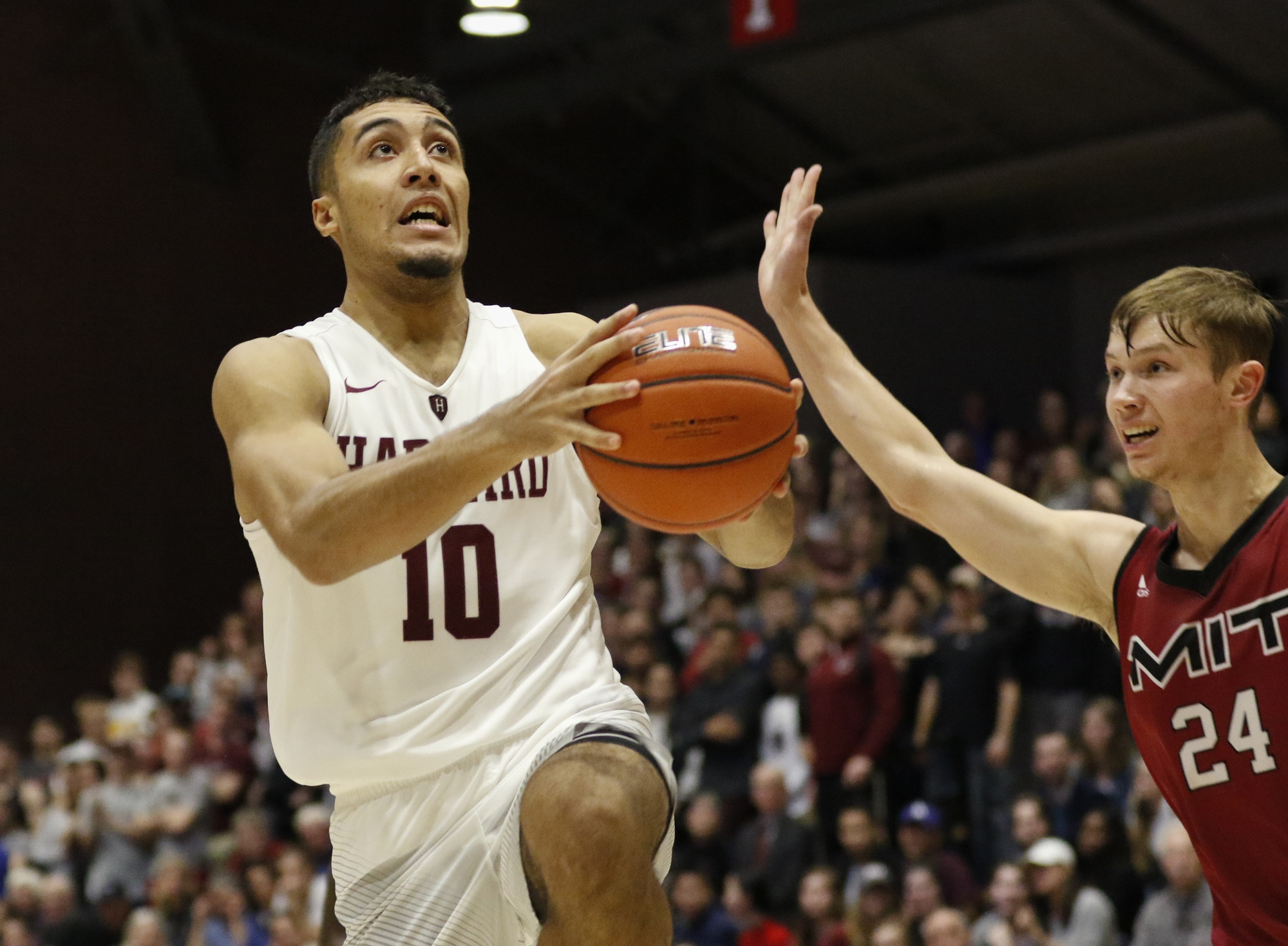 Freshman guard Noah Kirkwood dropped 20 points in Harvard's victory over Holy Cross.