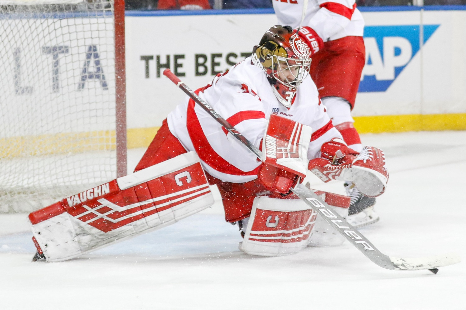 Big Red net-minder Matt Galajda returned from injury last Saturday in a win over Arizona St. He will have to fight to regain his starting spot, however, due to Austin McGrath's solid play in his absence.