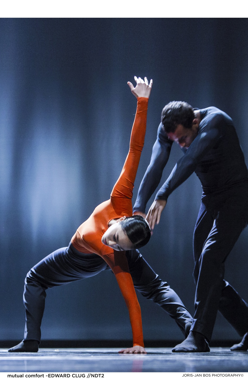 Still of 'mutual comfort' performance by Nederlands Theater Dance 2 .