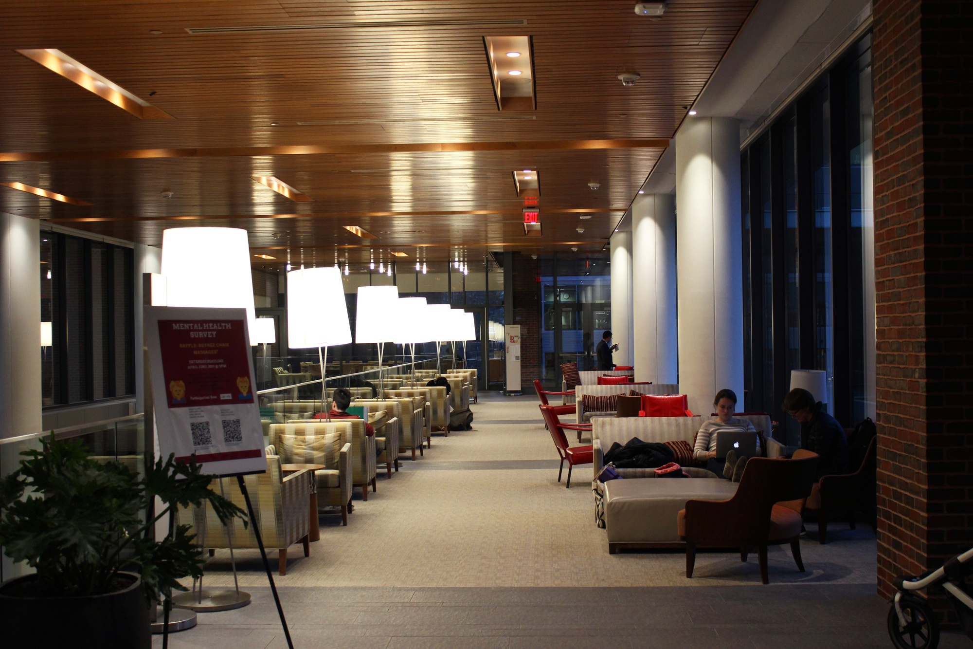 The Harvard Kennedy School provides many newly renovated study spaces that students take full advantage of.