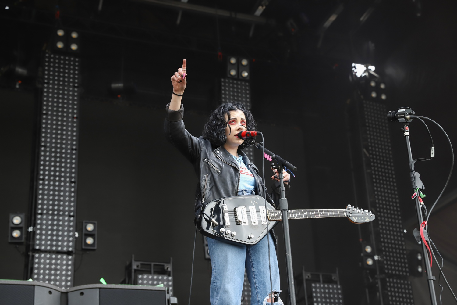 Pale Waves lead singer Heather Baron-Gracie wags a finger during the band's Friday afternoon set.
