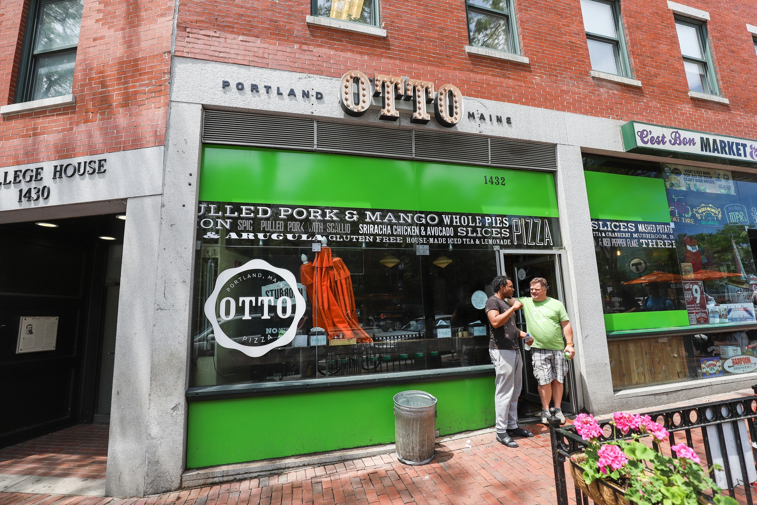 A fire broke out Monday morning at OTTO Pizza's Harvard Square location at 1436 Massachusetts Ave.