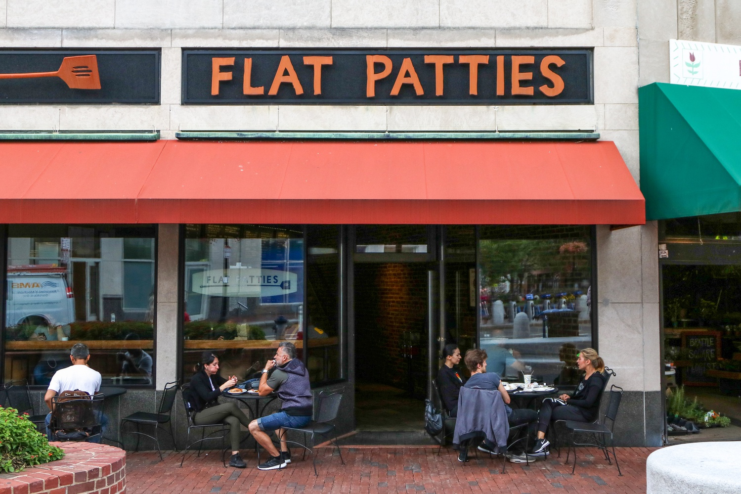 Flat Patties, a local burger restaurant in Harvard Square, is scheduled to close by the end of 2019.