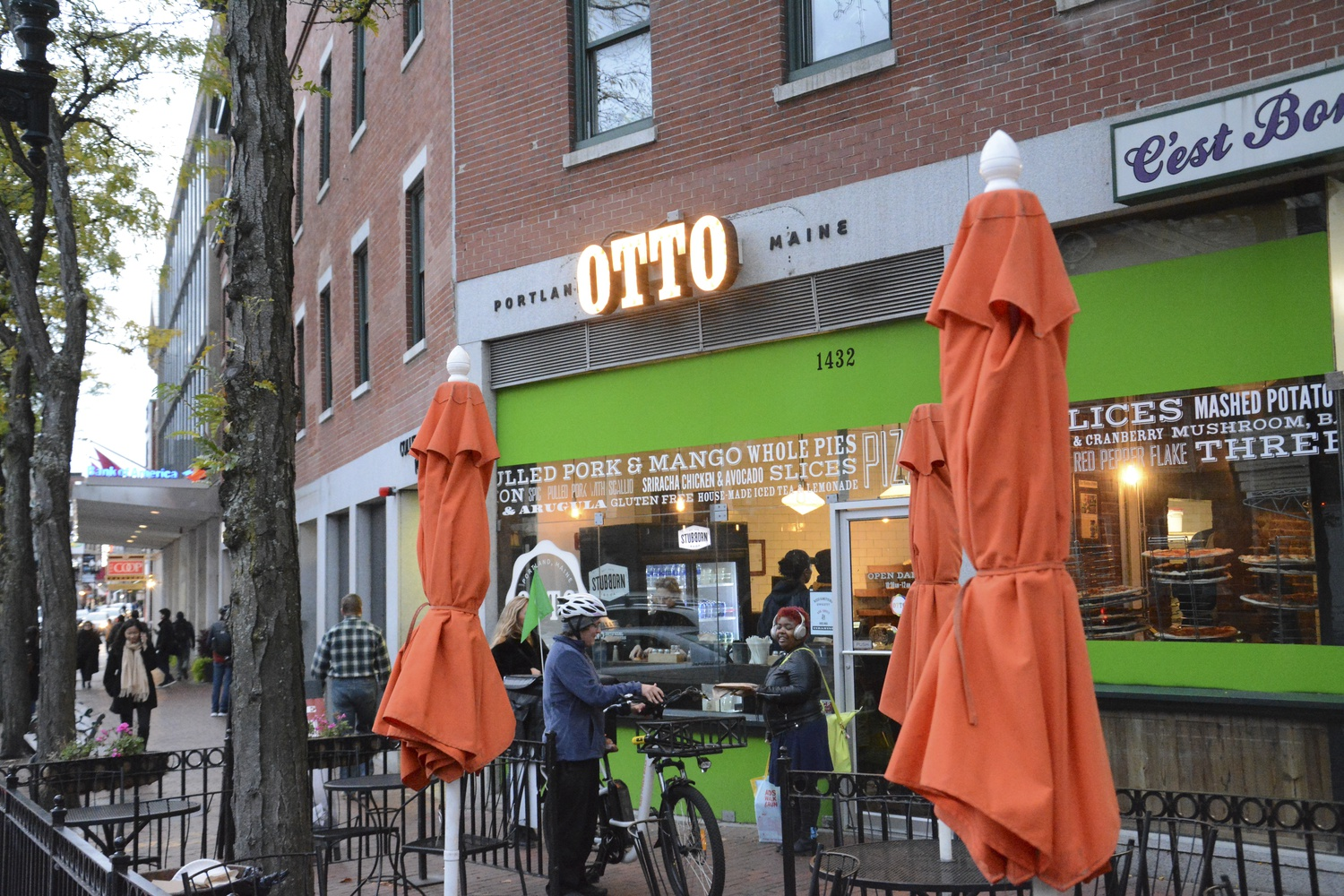 Harvard Square pizza mainstay OTTO Pizza reopened after closing due to a fire.