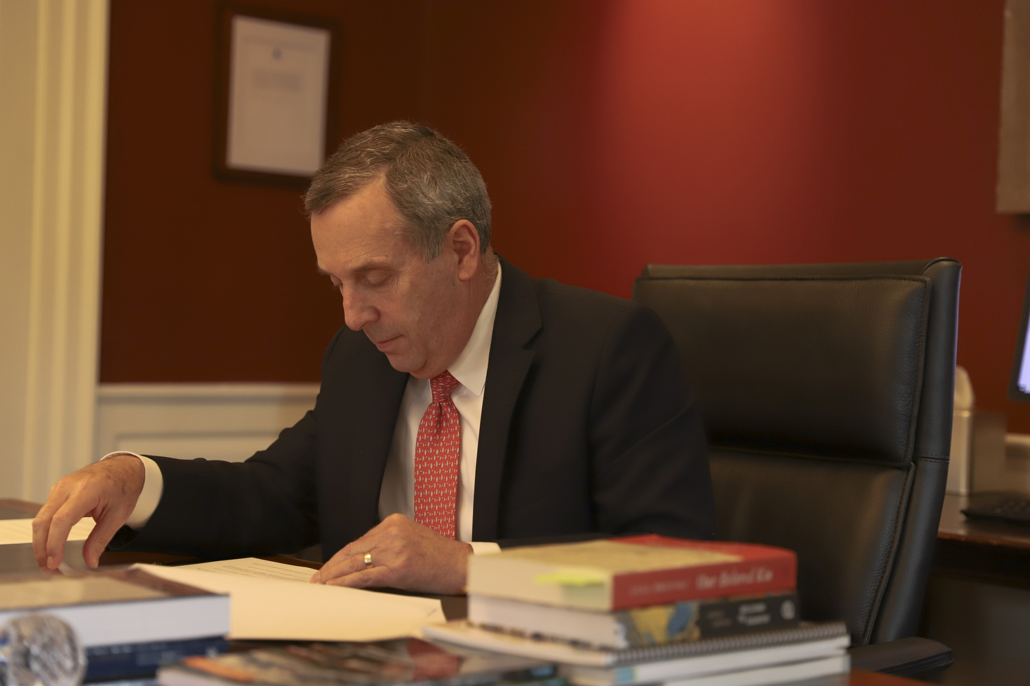 A group of alumni and faculty sent University President Lawrence S. Bacow a letter in favor of divesting Harvard's endowment from fossil fuels.