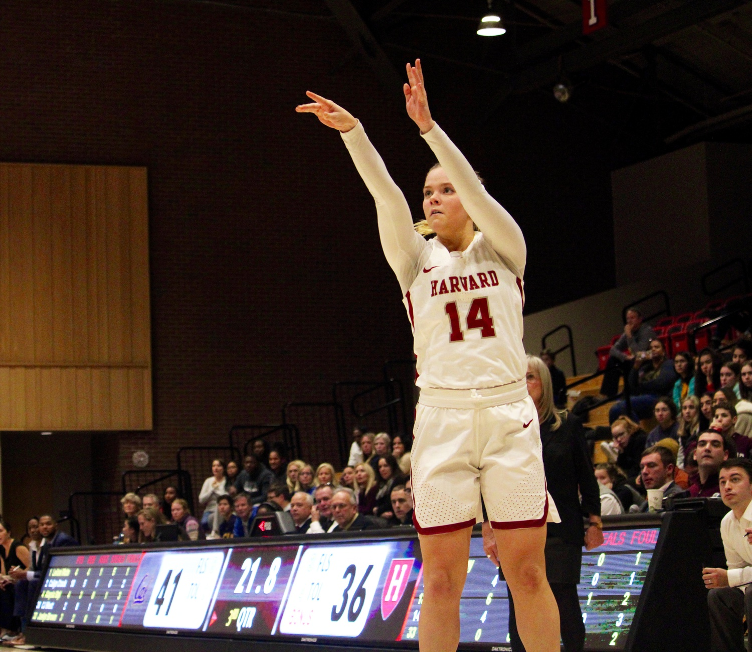 Captain Mackenzie Barta contributed a double-double with 10 points and 12 boards.