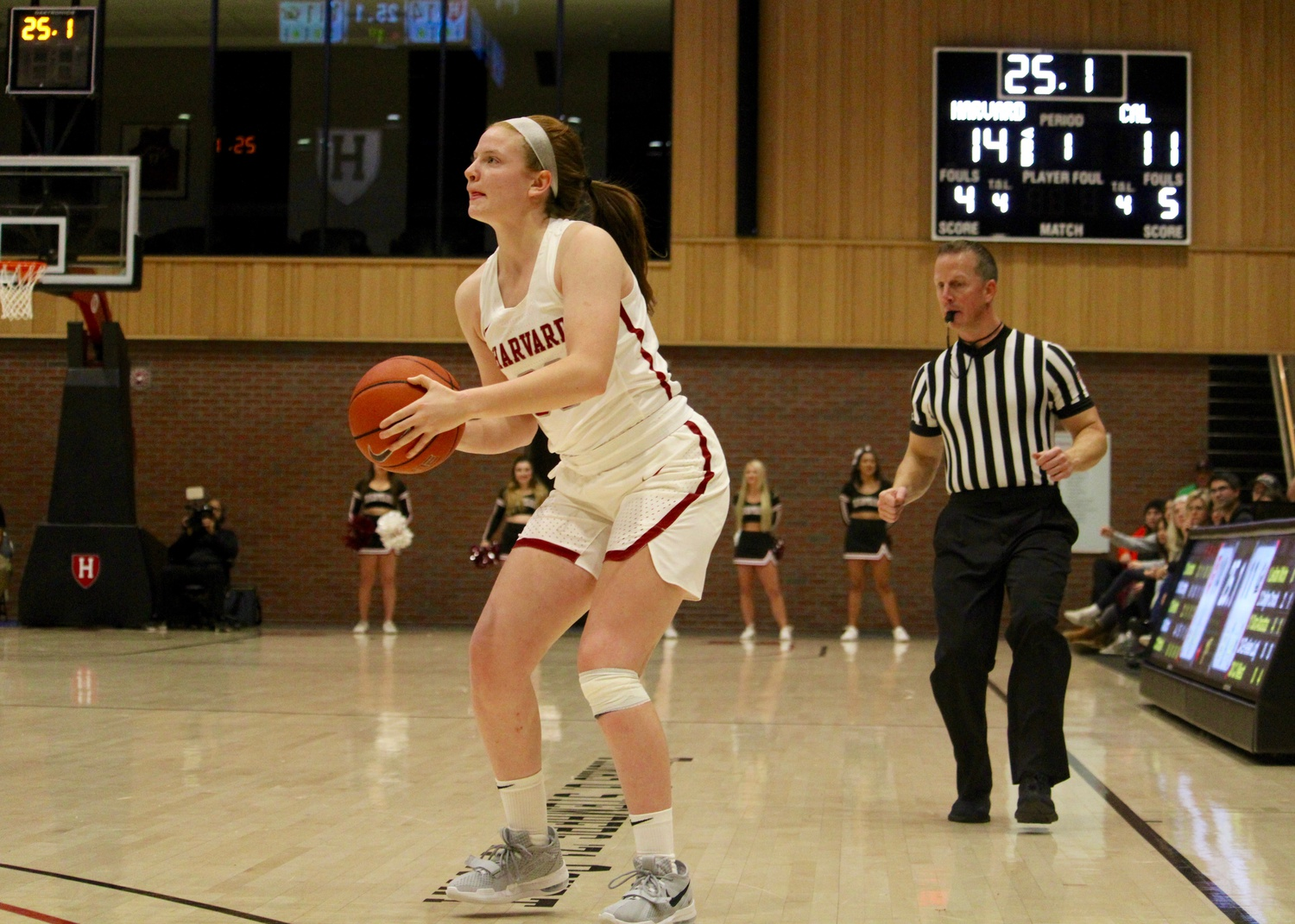 First-year Annie Stritzel scored 17 points on Friday night in a victory over Hartford.