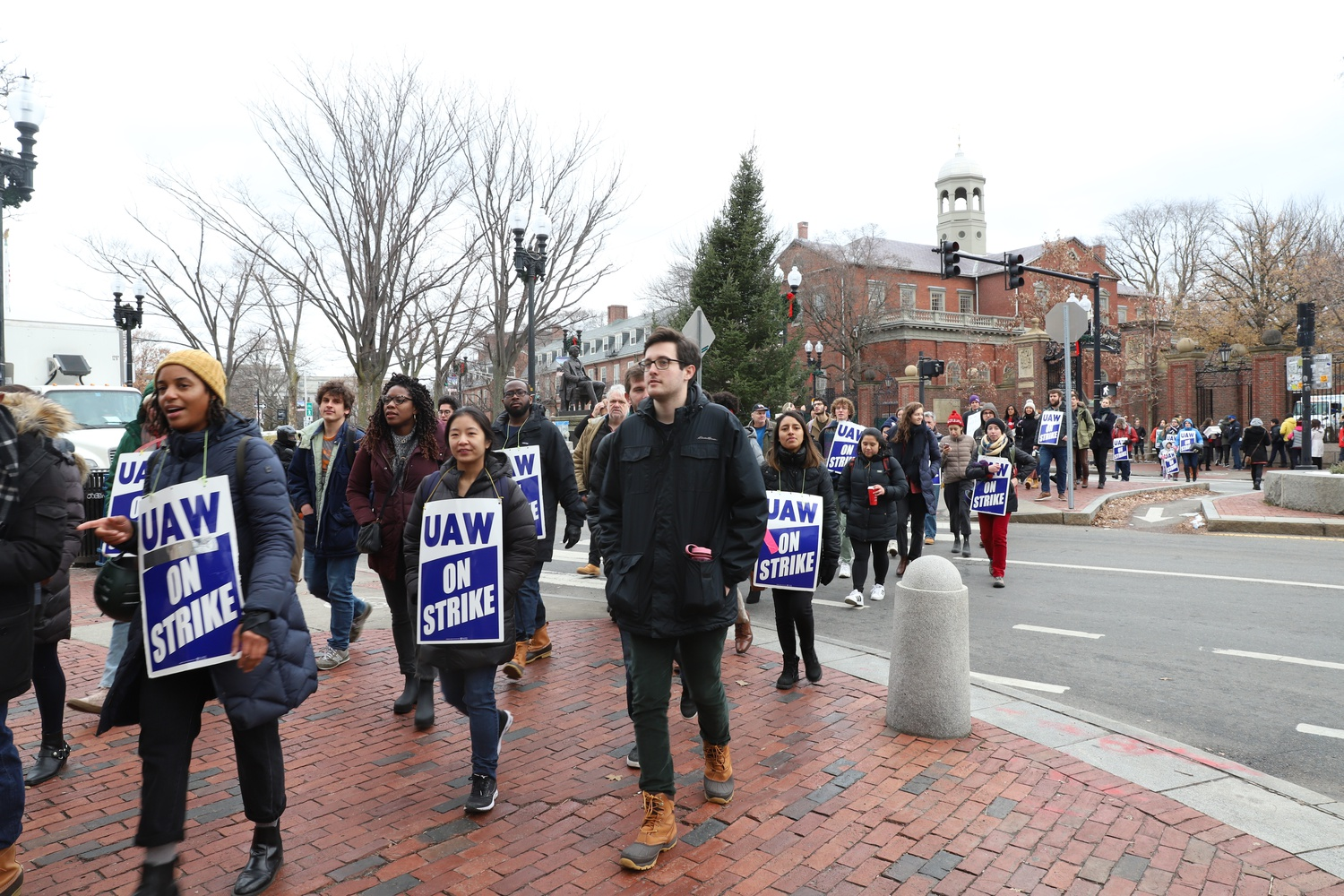 Nearly a week after ending their month-long strike, members of Harvard Graduate Students Union-United Automobile Workers said they are divided over the decision to return to work on Jan. 1.