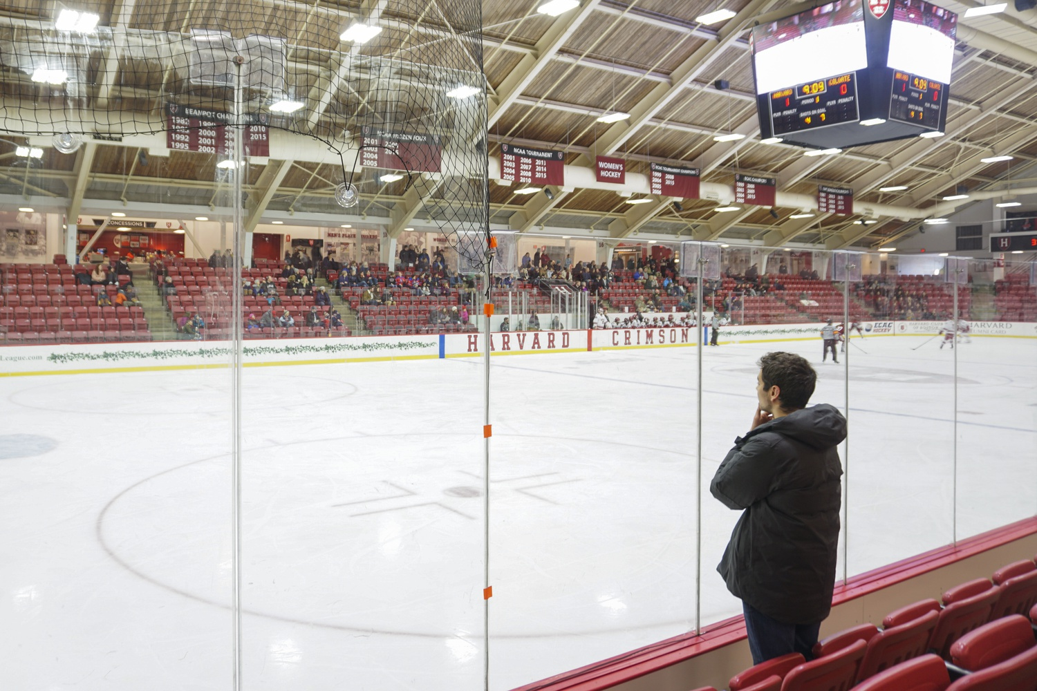 Women's Ice Hockey snatched a victory 4-3 against Colgate on Saturday afternoon at the Bright-Landry Hockey Center. Although the game has started, there are no players in Alec's visual field.