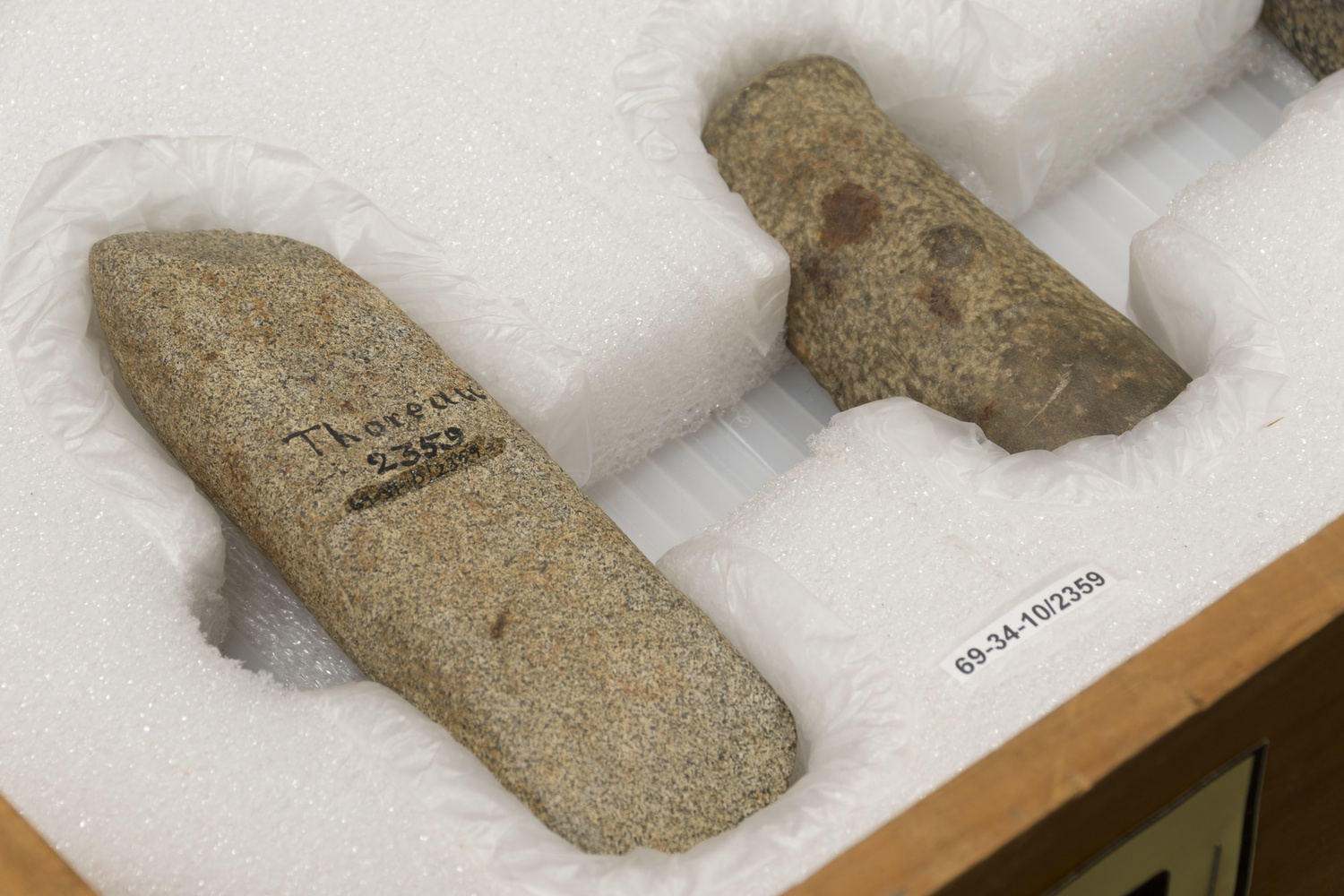 Stones collected by Henry David Thoreau housed at the Peabody museum. © President and Fellows of Harvard College, Peabody Museum of Archaeology and Ethnology, PM2016.0.33.30