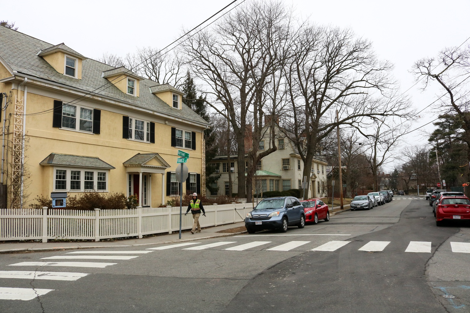 Despite precipitous local real estate prices, a number of upperclassmen have chosen to take up residence in the Cambridge or Greater Boston area this fall.