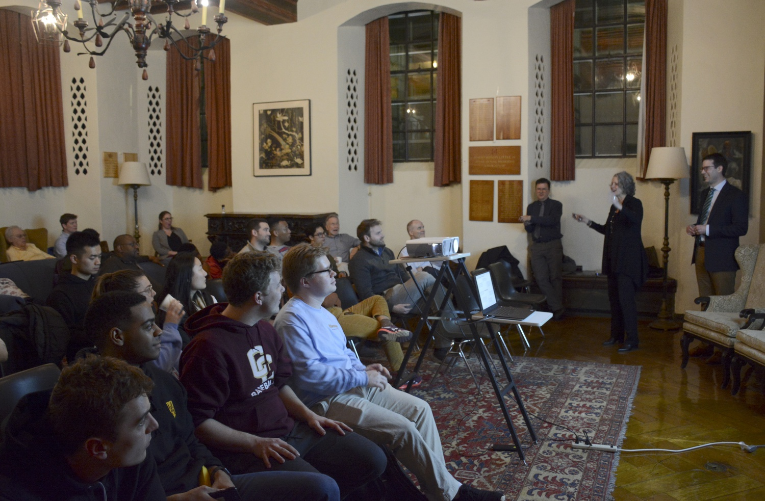 Members of Adams House met on Wednesday evening to hear and discuss updates on Adams's current construction.